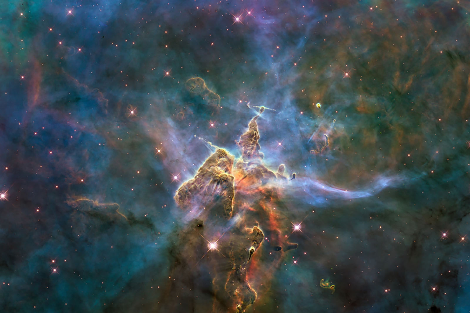 Hubble: A Journey Through Time...