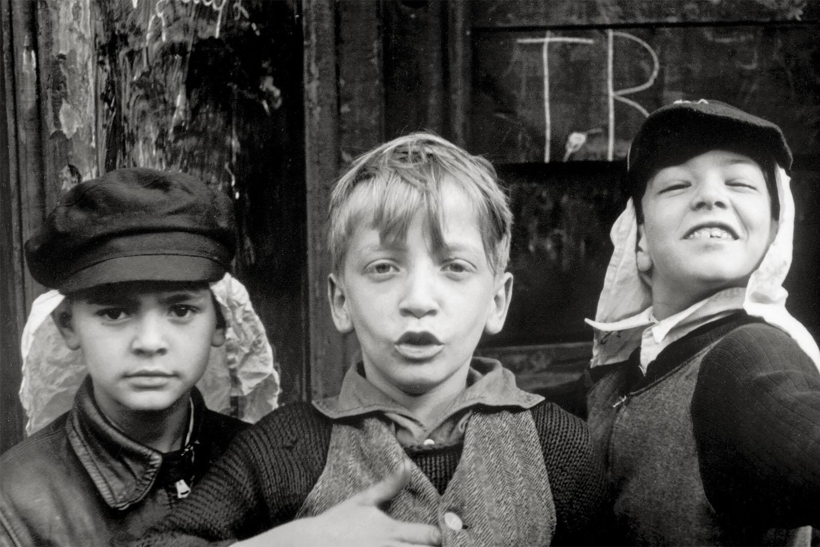 Helen Levitt: In The Street