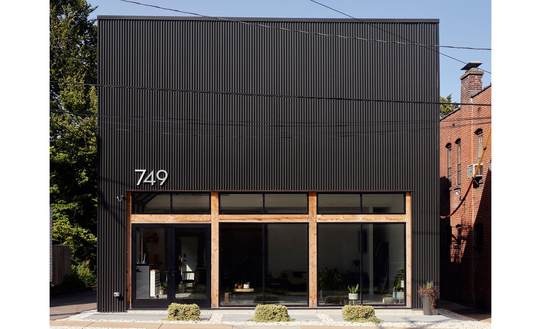 Studio 749